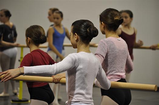 水晶鞋艺术培训校长杨静:舞蹈十年教学生涯 用一颗童心护孩子快乐成长!
